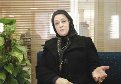 مریم امیرجلالی: برخی سریالهای نمایشخانگی مثل شبکه جِم است/ آرایش و لباسهای آنچنانی خانمها جلوی دوربین