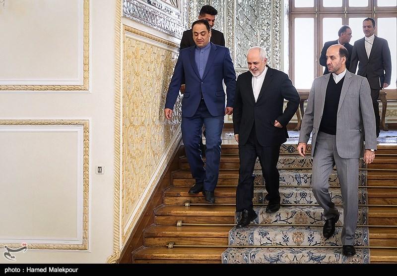 ورود محمدجواد ظریف وزیر امور خارجه به محل دیدار با سفرای ترکیه و هند