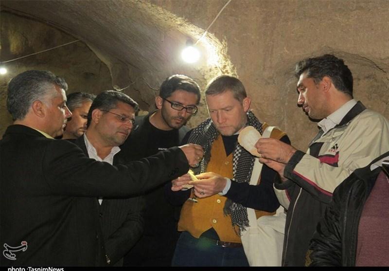 باستان شناس مشهور آلمانی از شهر زیرزمینی طسمیجان بازدید کرد+ تصاویر