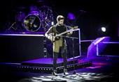 حمید هیراد در کنسرت جدیدش تار و دف نواخت