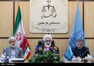 نشست تخصصی بررسی حادثه اتوبوس دانشگاه آزاد اسلامی