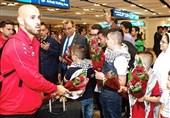 تیم ملی فوتبال فلسطین وارد امارات شد/ استقبال با شکوه از فداییان در فرودگاه دبی