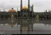 بارش زیبای باران الهی در حرم حضرت معصومه(س) به روایت تصویر