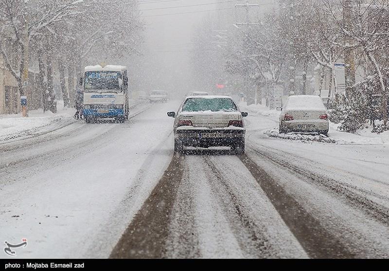 برف و باران در جادههای غربی و شمال غربی کشور