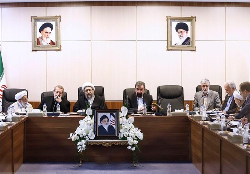 اولین جلسه مجمع تشخیص به ریاست آیتالله آملی لاریجانی برگزار شد + عکس