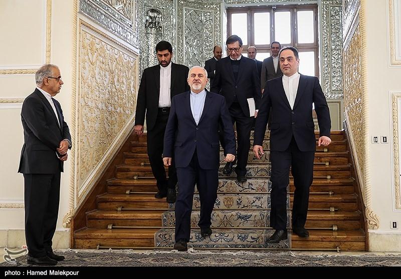 ورود محمدجواد ظریف وزیر امور خارجه به محل دیدار با سفیر جدید ونزوئلا