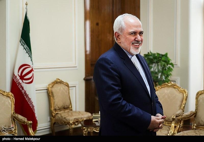 محمدجواد ظریف وزیر امور خارجه قبل از دیدار با سفیر جدید ونزوئلا