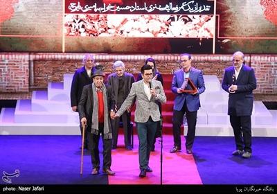 تقدیر از حسین خواجه امیری(ایرج) در پنجمین جشن موسیقی سالانه موسیقی ما
