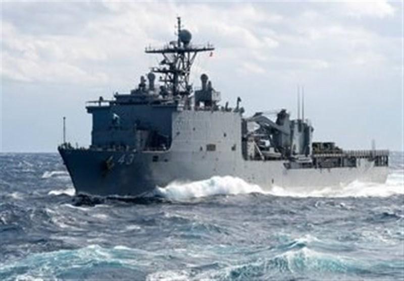 ABD'nin Savaş Gemisi Gece Görüntülendi