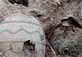 جزئیاتی از محتوای خمرههای بزرگ گلی شهرری/ وظیفه پیمانکاران با رویت آثار قدیمی در حین گودبرداری