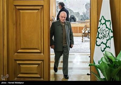 محمدنبی حبیبی در پایان نشست مشترک شهرداران تهران در دوره انقلاب