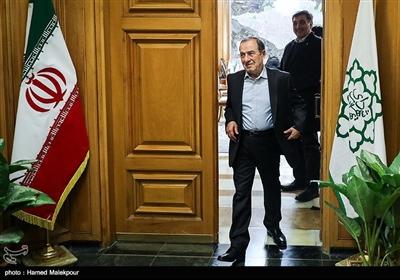مرتضی الویری در پایان نشست مشترک شهرداران تهران در دوره انقلاب