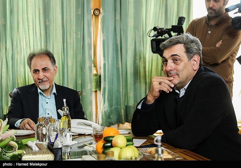 پیروز حناچی و محمدعلی نجفی در نشست مشترک شهرداران تهران در دوره انقلاب