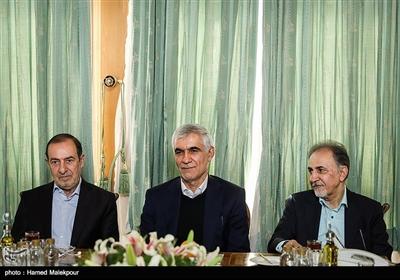 محمدعلی نجفی، سیدمحمدعلی افشانی و مرتضی الویری در نشست مشترک شهرداران تهران در دوره انقلاب