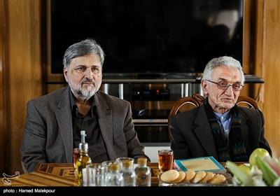 غلامحسین دلجو و سیدمرتضی طباطبایی در نشست مشترک شهرداران تهران در دوره انقلاب