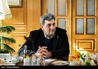 پیروز حناچی در نشست مشترک شهرداران تهران در دوره انقلاب