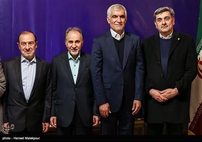 پیروز حناچی، سیدمحمدعلی افشانی، محمدعلی نجفی و مرتضی الویری در نشست مشترک شهرداران تهران در دوره انقلاب