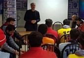 حضور سرپرست جدید باشگاه تراکتورسازی در تمرینات/ گفتوگوی الیاسی با تقوی و بازیکنان + عکس