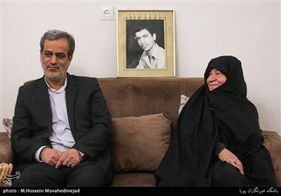 مادر و برادر شهیدمحمدمهدی اشراقی