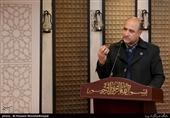 یزد| شعر طنز سیاسی در بین مردم بسیار محبوب است