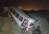 برخورد مینیبوس حامل کارگران پیمانکاری پتروشیمی بوشهر با خودرو سواری حادثه آفرید
