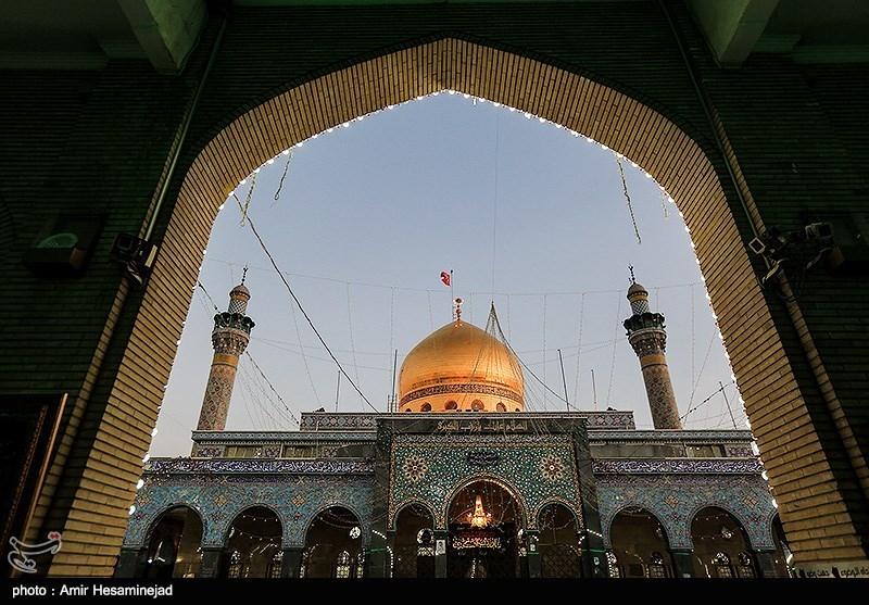 """سرودههایی در مدح بانوی دمشق: """"سینه ایرانیان آرامگاه زینب است"""""""