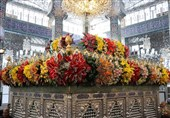 گلآرایی حرم حضرت زینب