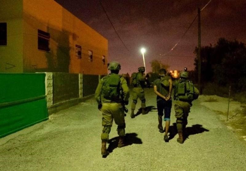 بازداشت 10 فلسطینی در کرانه باختری/ سرقت نظامیان صهیونیست از منازل و کارگاهها +تصاویر