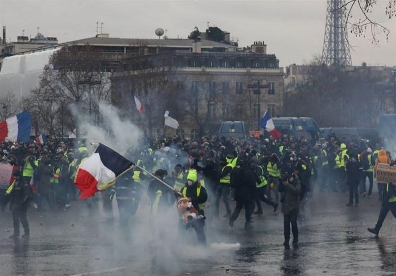 نقض آزادی رسانهها؛ ابزار دولت فرانسه برای مخفی کردن استراتژی ارعاب در کشور