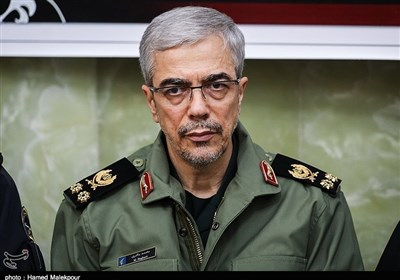 Top General Thanks Iran's Medical Society, Armed Forces for Coronavirus Fight