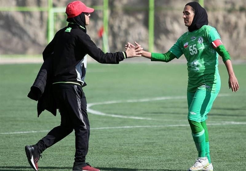 اصفهان| کاپیتان تیم فوتبال بانوان ذوبآهن: برای فصل آینده بلاتکلیف هستیم