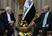 صالح یشدد لظریف على ضرورة اتباع الحل السیاسی لتسویة مشاکل المنطقة