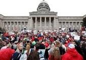 اعتصاب گسترده معلمان لس آنجلسی در اعتراض به پائین بودن دستمزد