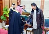 کلاشنیکف طلائی هدیه شاهزاده سعودی به عمران خان +تصویر