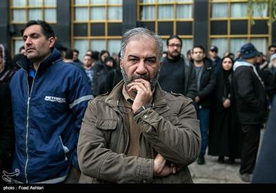 محمدمهدی عسگرپور در مراسم تشییع پیکر مرحوم حسین محباهری