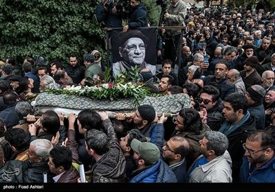 تشییع پیکر مرحوم حسین محباهری در تالار وحدت