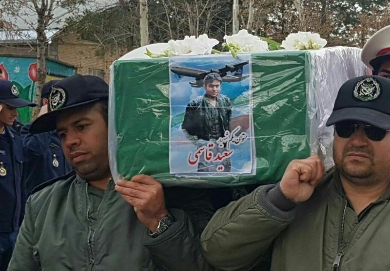پیکر مطهر شهید قاسمی از شهدای سانحه هوایی ارتش در زادگاهش نهاوند آرام گرفت