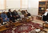 آیتالله مکارم شیرازی: تقویت زیرساختهای علمی و فقهی حوزوی در شیراز یک ضرورت است
