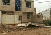 وقتی باد در مجتمع را با خود میبرد؛ خسارت طوفان به یک مجتمع مسکونی در اهواز + تصویر