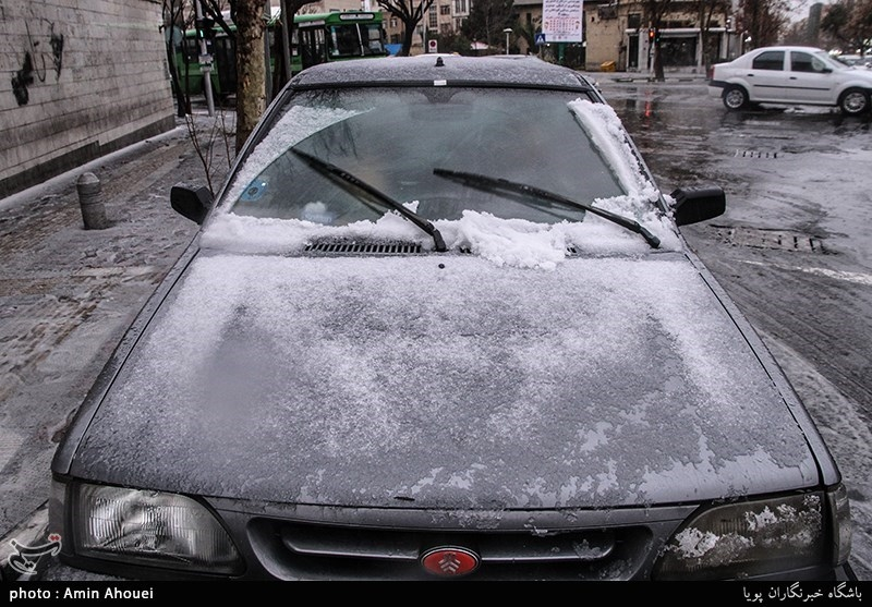 بارش تگرگ و برف در تهران