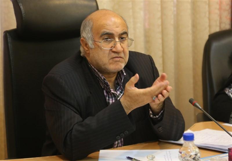 استاندار کرمان: حل مشکلات کارگران در استان کرمان نیازمند ارائه راه حلهای عملی است