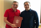 اهدای تقدیرنامه و حواله پاداش نایب قهرمانی آسیا به پرسپولیسیها
