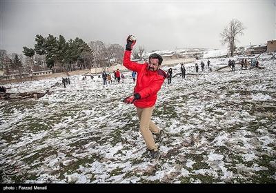 تفریح زمستانی مردم کرمانشاه پس از بارش برف