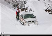 قطع راه ارتباطی 147 روستا در الیگودرز؛ 21 هزار نفر در محاصره برف قرار دارند