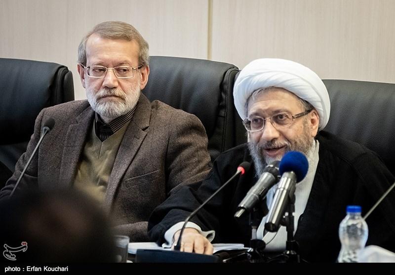 آیت الله آملی لاریجانی رئیس مجمع و علی لاریجانی رئیس مجلس در جلسه مجمع تشخیص مصلحت نظام