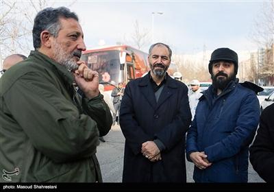 محمد مهدی سیار و محسن مومنی در مراسم تشییع پیکر سردار احمد فضائلی