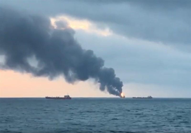 آتشگرفتن دو کشتی در تنگه کرچ