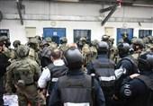 """أکثر من 100 إصابة فی صفوف الأسرى الفلسطینیین جراء اعتداءات قوات الاحتلال بمعتقل """"عوفر"""""""
