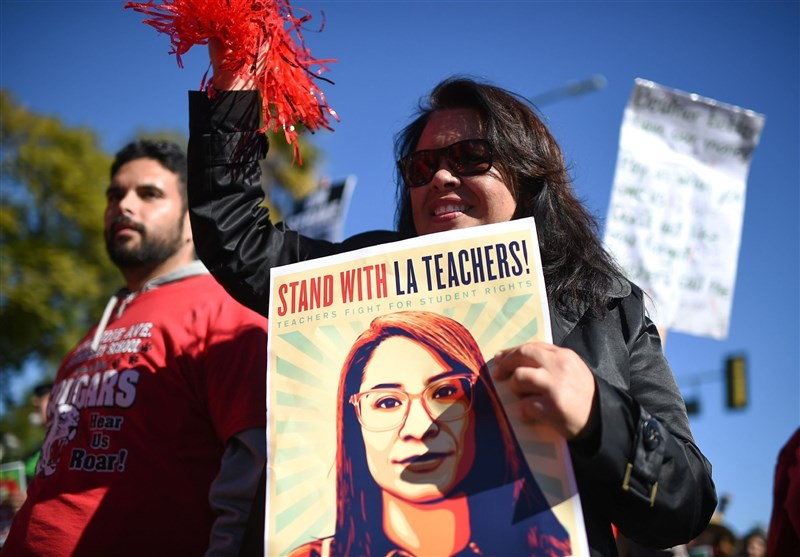 Los Angeles Teachers Strike to Go into 2nd Week despite Agreement (+Video)
