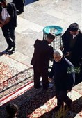 حضور بدون تشریفات سردار قاسم سلیمانی در بارگاه منور رضوی+ عکس